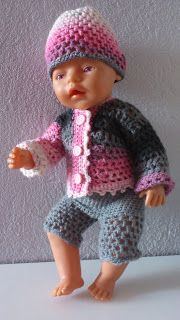 18 trendy ideas for baby born crochet clothes Crochet Doll Clothes, Knitted Dolls, Doll Clothes Patterns, Crochet Dolls, Doll Patterns, Clothing Patterns, Knitting Patterns, Knitting Toys, Crochet Pattern