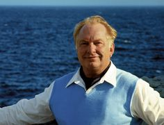 l-ron-Hubbard en el mar [1]