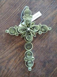 12 Awesome Paper Quilling Jewelry Designs To Start Today – Quilling Techniques Paper Quilling Flowers, Paper Quilling Cards, Quilling Work, Paper Quilling Jewelry, Origami And Quilling, Quilled Paper Art, Paper Quilling Designs, Quilling Paper Craft, Paper Crafts