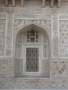Detail of one of the walls of Itmad-Ud-Daulah's Tomb, Agra, India