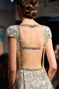 Schiaparelli Fall 2015 Couture Fashion Show - Maja Salamon Couture Fashion, Runway Fashion, High Fashion, Fashion Beauty, Fashion Show, Couture 2015, Fashion Glamour, Couture Details, Fashion Details
