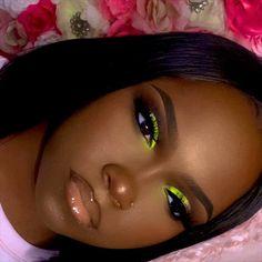 eye makeup black girl home made makeup Makeup Eye Looks, Make Makeup, Girls Makeup, Black Girl Makeup Natural, Dark Skin Makeup, Green Makeup, Colorful Eye Makeup, Make Up Looks, Flawless Makeup