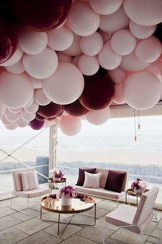 Burgundy and blush bridal shower decoration ideas with balloons - Photography: My Little Company Photography Ballons Fotografie, Balloon Decorations, Wedding Decorations, Balloon Garland, Balloon Ideas, Decor Wedding, Wedding Receptions, Balloon Chandelier, Balloon Party
