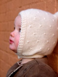 This is the cutest baby bonnet I have ever seen ! My daughter's got to have it !