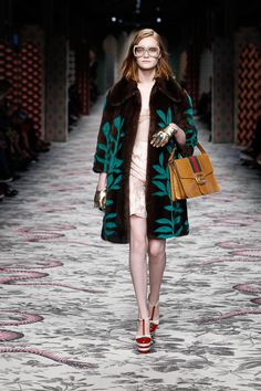 GUCCI 2016 Spring Summer Collection | More photo at Fashionsnap.com