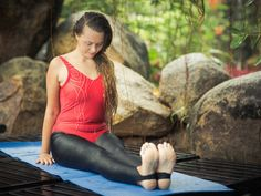 Practicing yoga has several benefits ranging from flexibility to healthier bones to reduced stress. Check out these low-impact yoga poses you can try today. Yoga For Sciatica, Sciatica Exercises, Sciatica Relief, Learn Yoga, How To Do Yoga, Asana, Fitness Motivation, How To Cure Anxiety, Yoga