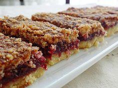 vişneli dilimler Snack Recipes, Dessert Recipes, Snacks, Desserts, Easy Cooking, Cooking Time, Fruit Tart, Pudding Cake, Turkish Recipes
