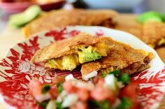 Disclaimer: These breakfast burritos are not fancy. These breakfast burritos are not gourmet. These breakfast burritos are not haute Tex-Mex cuisine. These breakfast burritos are exactly that: brea… Breakfast And Brunch, Breakfast Dishes, Breakfast Recipes, Breakfast Healthy, Breakfast Ideas, Breakfast Cooking, Health Breakfast, The Pioneer Woman, Pioneer Woman Recipes