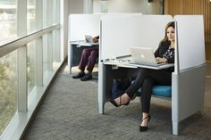 Future Space: 5 Reasons Why Co-Working Spaces Are Great For Entrepreneurs Open Space Office, Office Space Design, Workspace Design, Office Spaces, Agency Office, Co Working, Working Woman, Corporate Office Design, Future Office