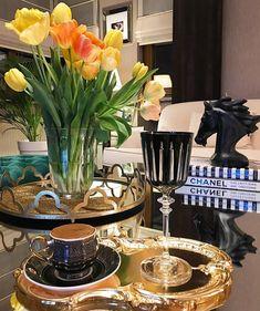 Este posibil ca imaginea să conţină: interior Coffee World, Coffee Time, Turkish Coffee, Coffee Drinks, Afternoon Tea, Cup And Saucer, Table Decorations, Food, Cups