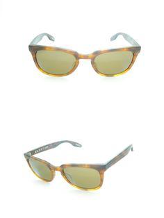 Occhiali da Sole Raen Mod. Vista Col. Matte Rootbeer in acetato maculato con ponte a chiave e lente a tinta unica. http://www.occhialifacili.com/prodotto/occhiali-sole-raen-mod-vista-col-matte-rootbeer/