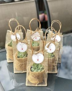 38 Simple Wedding Decorations For Your Delicate Wedding wedding, wedding decoration, wedding table wedding favors 38 Simple Wedding Decorations For Your Delicate Wedding - HomeLoveIn Wedding Favors And Gifts, Beach Wedding Favors, Wedding Souvenirs For Guests Unique, Wedding Favours Unique, Wedding Presents For Guests, Rustic Wedding Gifts, Party Favours, Wedding Favor Bags, Simple Wedding Decorations