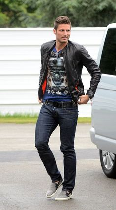 Men's Jackets To Own. Discover some very nice guys fashion. With so much fashion for men to pick from these days, it can be a challenging encounter. Men's Fashion, Leather Fashion, Stylish Men, Men Casual, Smart Casual, Evolution Of Fashion, Hommes Sexy, Gentleman Style, Mens Clothing Styles
