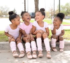 Would like to be on the joke with the Adorable little Ballerinas - Brown Girls Do Ballet Black Girls Rock, Black Kids, Black Girl Magic, Black Girls Dancing, Black Dancers, Ballet Dancers, Ballet Buns, Ballet Barre, Beautiful Children
