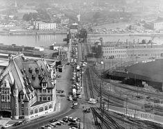 Le boulevard des Capucins et le pont Samson Quebec Montreal, Montreal Ville, Quebec City, Old Photos, Vintage Photos, Boulevard Des Capucines, Paris Skyline, New York Skyline, Chute Montmorency