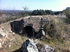 Publicamos último nido de ametralladora en Navalagamella, por ahora. #historia #turismo http://www.rutasconhistoria.es/loc/nido-de-ametralladora-navalagamella-4