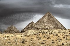 Pyramid of Menkaure - Egypt - Wikipedia, the free encyclopedia Chill Mix, Cradle Of Civilization, Night Train, Egypt Travel, Photography Courses, Giza, Modern Country, Luxor, Cairo