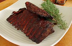 My informal survey of deer hunters leads me to conclude that most of us don't save our deer ribs, especially if we have to pack out a large animal without the aid of a horse, truck or quad. There's just not much meat on a rack of deer ribs, but they do make for a great little snack.  Deer ribs are