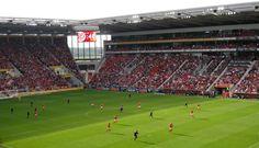 Coface Arena, Maguncia, Alemania. Capacidad 34.034 (19.700 sentados) espectadores, Equipo local FSV Mainz 05.