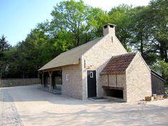 Restauratie ovenbakhuis met karschop aan de Heistraat te Ulvenhout van Landgoed Ulvenhart