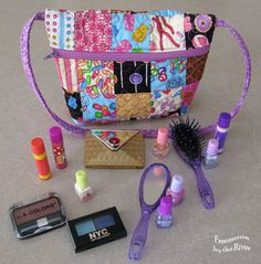 Freemotion by the River: Makeup tote tutorial