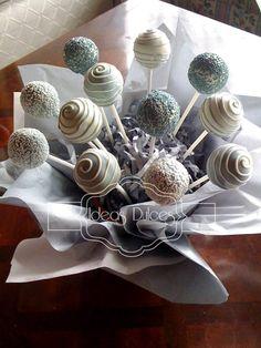 Arreglo de cake pops  para el bautizo de Mateo Strawberry Cream Cakes, Strawberries And Cream, Cake Pops, Ideas Bautizo, First Communion Decorations, Cake Pop Displays, Baptism Party, Marshmallow Pops, Art N Craft