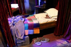 Ron Weasley's Bed at the Warner Bros: The Making of Harry Potter Studio Tour in London, UK. (Spring 2015) | Photograph taken by @amytinson1 | Amy Tinson Photography