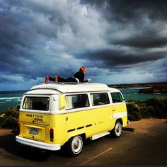 best views...Re-Pin...brought to you by #HouseofInsurance in #EugeneOregon Transporteur Volkswagen, Volkswagen Transporter, Vw T5, Volkswagen Bus, Vw Camper, My Dream Car, Dream Cars, Combi Ww, Vw Vintage