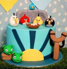 boy's-Angry-Birds-birthday-cake-ideas