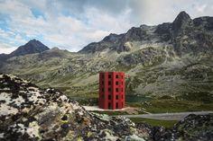 Kultur in der Natur - Temporärer Theaterturm in den Schweizer Alpen