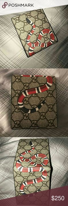 Snake Gucci Wallet Snake Gucci Wallet Express shipping through FedEx (1-2 business days) Gucci Accessories Key & Card Holders