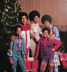 Michael Jackson and his brothers - Jackson 5 Era Christmas Albums, Christmas Photos, Merry Christmas, Black Christmas, Christmas Stars, Christmas Time, Vintage Christmas, Christmas Music, Christmas Christmas