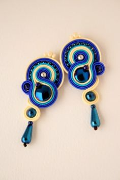ArtAnnyR: Sutaszowe różności Leather Jewelry, Boho Jewelry, Jewelry Crafts, Soutache Necklace, Beaded Earrings, Shibori, Tutorial Soutache, Stone Earrings, Ring Earrings