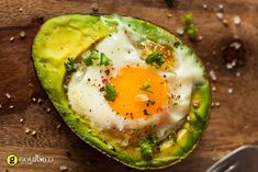 Easy to make avocado baked eggs recipe is a great choice for a healthy, quick breakfast or snack. Avocado Egg Bake, Baked Avocado, Avocado Toast, Egg Recipes, Cooking Recipes, Healthy Recipes, Food Intolerance, Appetisers, Food Cravings