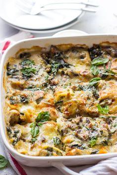 Chicken Mushroom and Spinach Lasagna - made with shredded chicken, fresh spinach, mushrooms, and light sauce | littlebroken.com @littlebroken
