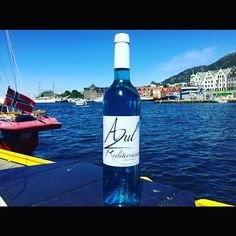 Azul Mediterraneo now in Norway 👏 Chardonnay Wine, White Meat, Wine Time, Perfect Match, Wine Tasting, Norway, Spain, Bottle, Natural