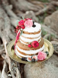 Naked cake with fresh flowers | Ksenia Milushkina Photography | see more on: http://burnettsboards.com/2014/08/romantic-berry-wedding-editorial-forested-beach/