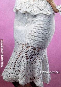 Fabulous Crochet a Little Black Crochet Dress Ideas. Georgeous Crochet a Little Black Crochet Dress Ideas. Black Crochet Dress, Crochet Skirts, Knit Skirt, Crochet Clothes, Crochet Vest Pattern, Top Pattern, Crochet Patterns, Filet Crochet, Crochet Top