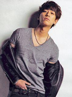Handsome, Posts, Japan, Mens Tops, Fashion, Moda, Messages, Fashion Styles, Fashion Illustrations