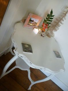 Shabby Chic White table