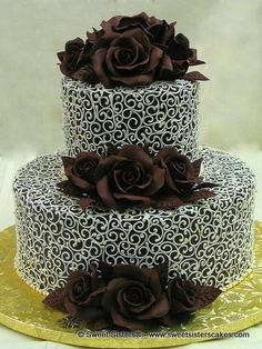 A wedding cake made for a couple of chocolate lovers! Beautiful Wedding Cakes, Beautiful Cakes, Amazing Cakes, Unique Cakes, Creative Cakes, Elegant Cakes, Chocolate Lovers, Chocolate Cake, Wedding Cake Designs