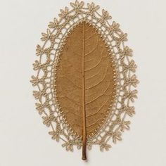 Susanna Bauer Crochet spindle Embroidered Amazing Decorative Leaf made Wonderful Full 35 Pictures - DİY Creative Cooking Embroidery Leaf, Embroidery Fashion, Diy Christmas Gifts For Parents, Leave Art, Decorative Leaves, Embroidered Leaves, Crochet Leaves, Crochet Art, Nature Crafts