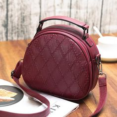 Hot-sale designer Women Shell Soft Leather Small Incense Lingge Handbags Double Large Capacity Shoulder Bags Online - NewChic Mobile
