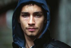 Robert Sheehan to star in new film, 'The Road Within' - Report