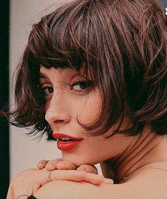 Taylor Lashae - Amélie Style Haircut w Short Bangs - Short Bob Hairstyles, Hairstyles With Bangs, Trendy Hairstyles, Bob Haircuts, Drawing Hairstyles, Sophisticated Hairstyles, Hairstyle Short, Brunette Fringe, Brunette Hair