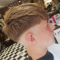 Teen Boy Hairstyles, Classic Hairstyles, Side Hairstyles, Undercut Hairstyles, Undercut Pompadour, Medium Fade Haircut, Low Fade Haircut, Medium Hair Styles, Long Hair Styles