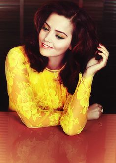Jenna-Louise Coleman Doctor who Geek Emerdale