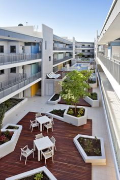 Luxe multi-residential apartments - courtyard