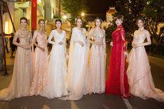 Bộ sưu tập của NTK Phạm Đăng Anh Thư bao gồm những mẫu áo dài truyền thống được cách điệu sang trọng nhằm phù hợp với không khí trọng đại của những lễ cưới hiện đại.