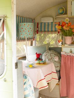 I want a caravan. Why not take a trailer and make a craft cave out of it? Brilliant! Now all I need is a trailer and a place to put it!